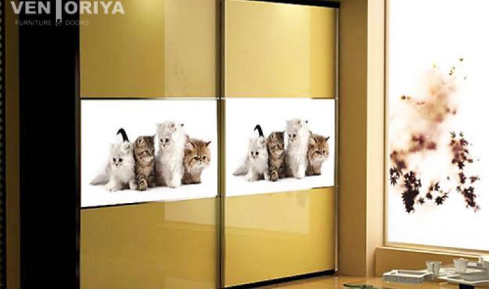 гардероб с принт стъкло - мебели Вентория бургас